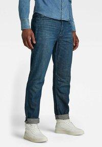 G-Star - STAQ TAPERED - Jeans Tapered Fit - dark blue denim - 0