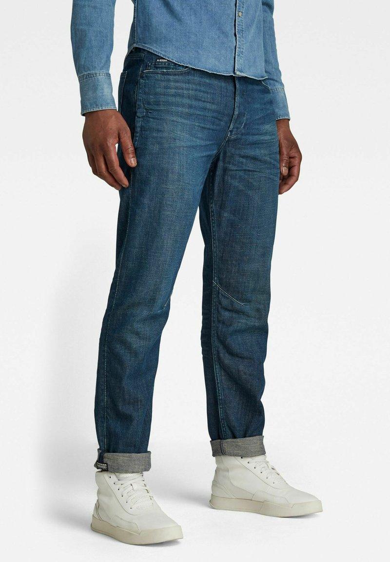 G-Star - STAQ TAPERED - Jeans Tapered Fit - dark blue denim