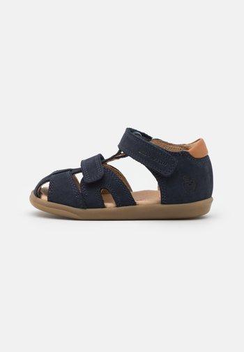 PIKA SCRATCH - Zapatos de bebé - navy/wood