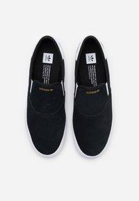 adidas Originals - 3MC - Instappers - core black/footwear white/gold metallic - 3