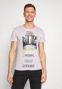 TOM TAILOR DENIM - FOTOPRINT ON STRIPED TEE - Print T-shirt - grey - 0