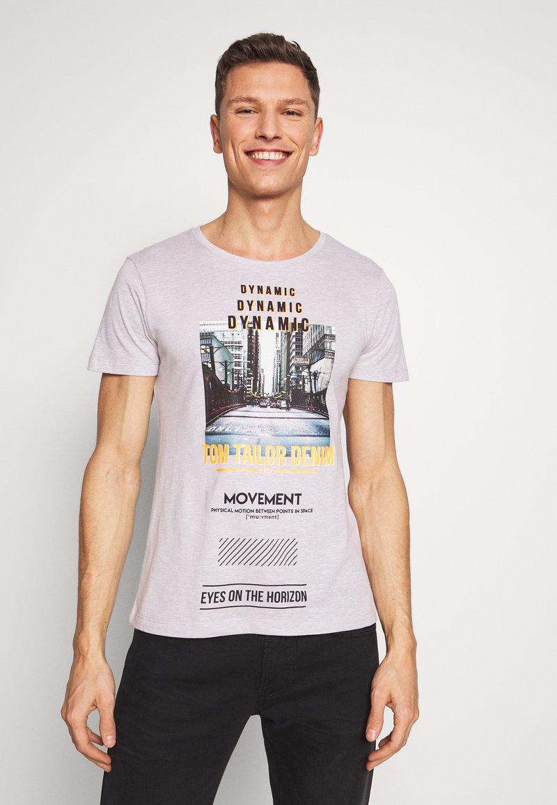 TOM TAILOR DENIM - FOTOPRINT ON STRIPED TEE - Print T-shirt - grey