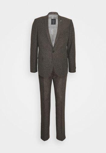 BUCKLAND SUIT - Suit - brown