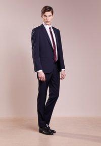 HUGO - SIMMONS - Oblekové kalhoty - dark blue - 1