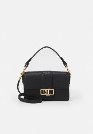 CLASSIC PEBBLE SPENCER - Handbag - black