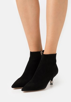CHAILLOT TOP UP - Ankle boots - black