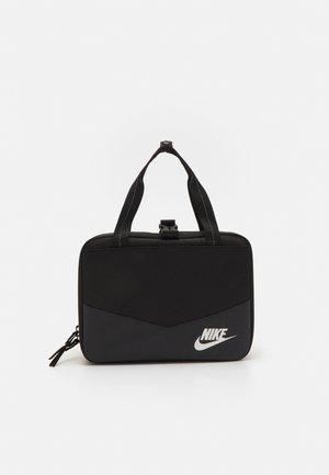 FUTURA SQUARE LUNCH BAG UNISEX - Lunch box - black