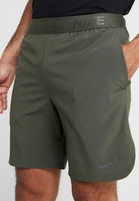 Nike Performance - VENT MAX - Sports shorts - cargo khaki/black - 4