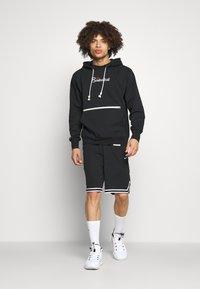 Nike Performance - DNA SHORT  - Träningsshorts - black/white - 1