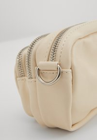 Gina Tricot - CONNIE MINI BAG - Skulderveske - white - 4