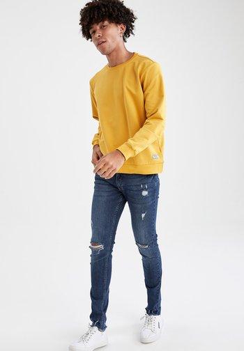 REGULAR FIT - Felpa - yellow