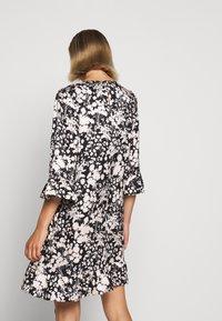 Rebecca Minkoff - FEDERICA DRESS - Denní šaty - black/cream - 6