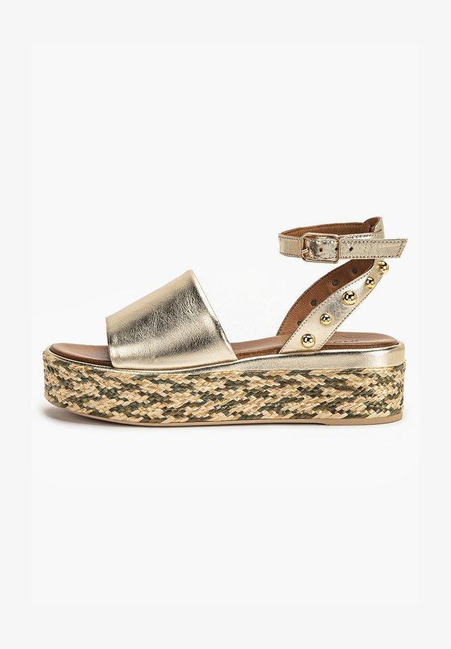 Sandalen met plateauzool - gold gld