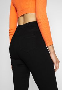 Missguided Tall - VICE BUTTON UP - Jeans Skinny Fit - black - 3