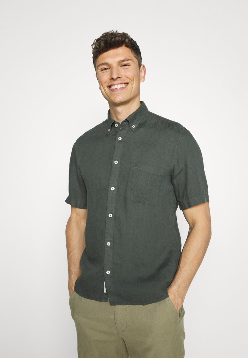 Marc O'Polo - BUTTON DOWN SHORT SLEEVE - Košile - mangrove