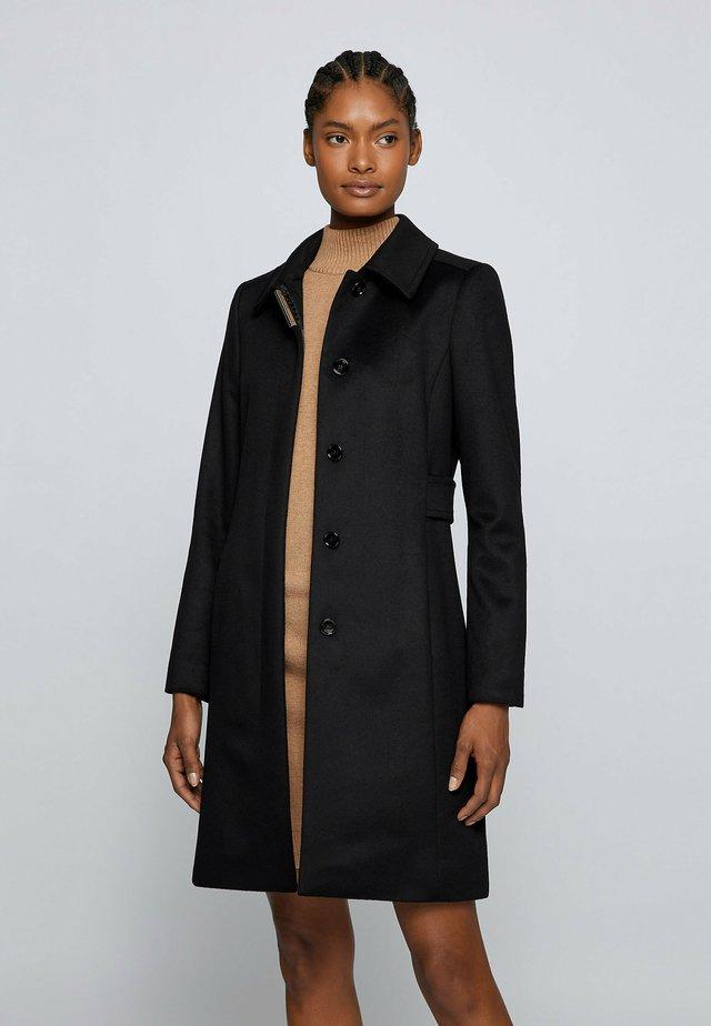 CASENA - Klassisk frakke - black
