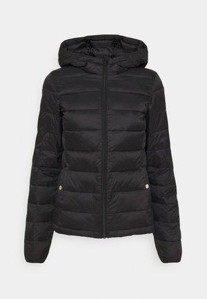 ONLSANDIE HOOD JACKET - Lehká bunda - black