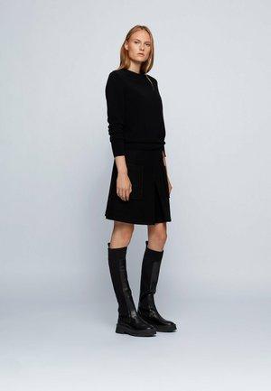 FORMENA - Sweatshirt - black