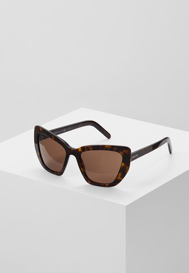 CATWALK - Sluneční brýle - havana