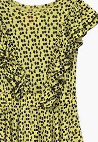WAUW CAPOW by Bangbang Copenhagen - SAYDEE - Žerzejové šaty - yellow - 3