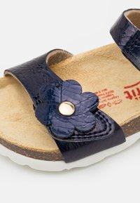 Superfit - FUSSBETTPANTOFFEL - Sandals - blau - 5