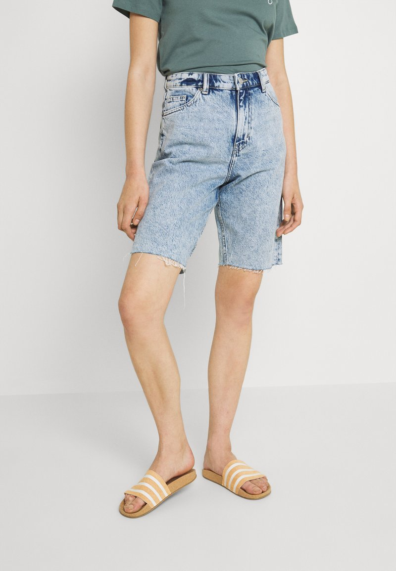 Monki - BEA  - Shorts di jeans - blue dusty light