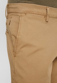 DOCKERS - SMART FLEX TAPERED - Pantalones chinos - ermine - 3