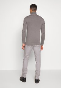 INDICODE JEANS - GOVER - Chinot - light grey - 2