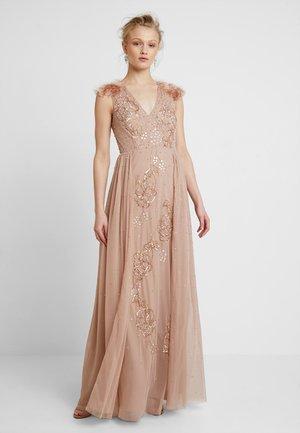 FAUX SHOULDER DETAIL DRESS WITH EMBELLISHMENT - Společenské šaty - taupe blush