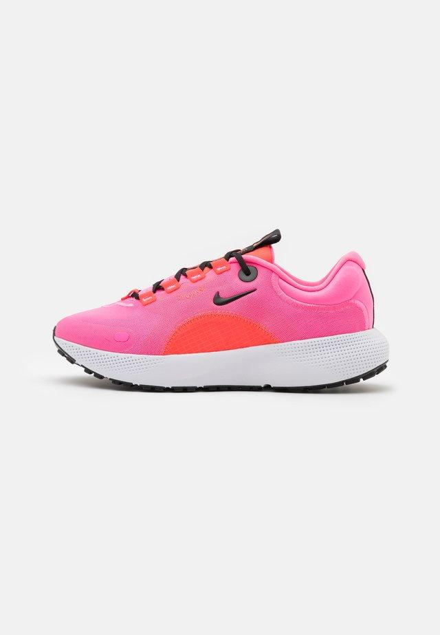 ESCAPE RUN - Neutral running shoes - pink glow/black/bright crimson