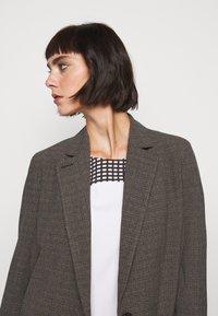 Won Hundred - LINDA - Short coat - brown melange - 4