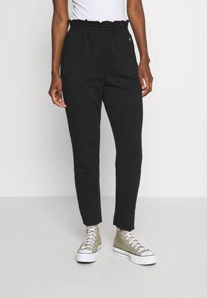 ONLMONROE LIFE PANT  - Pantalones - black