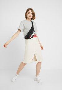 Fila - EARA TEE - T-shirts - light grey melange bros - 1