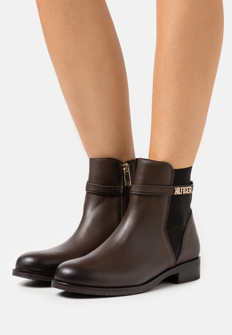 Tommy Hilfiger - LAINIE - Classic ankle boots - cocoa