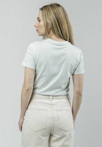 Brava Fabrics - KOINOBORI KITE - Print T-shirt - green - 2