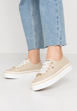 TOMMY HILFIGER FLATFORM SNEAKER - Trainers - stone