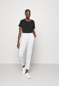 Liu Jo Jeans - PANT - Trousers - bianco/silver - 1