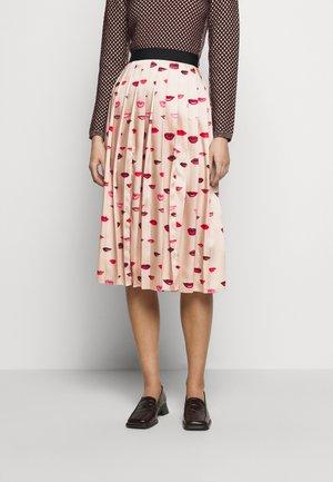 PLEATED LIPS PRINT SKIRT - Pencil skirt - almond beige