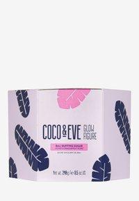 Coco & Eve - GLOW FIGURE BALI BUFFING SUGAR - Kroppsexfoliering - - - 1