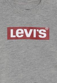 Levi's® - BOX TAB - Langarmshirt - grey heather - 3