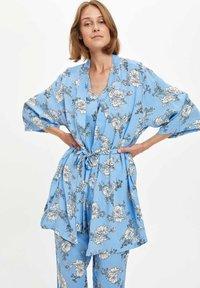DeFacto Fit - Pyjamapaita - blue - 3
