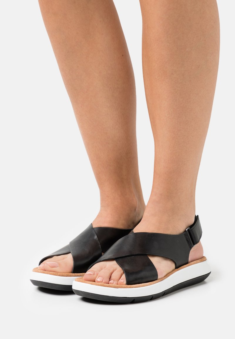 Clarks - JEMSA CROSS - Sandalias con plataforma - black