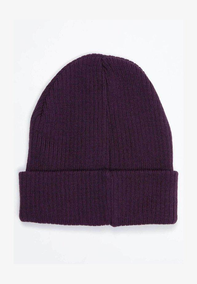 Muts - purple