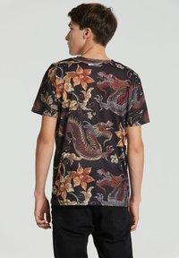 Mr. GUGU & Miss GO - JAPANESE DRAGON  - Print T-shirt - black - 4