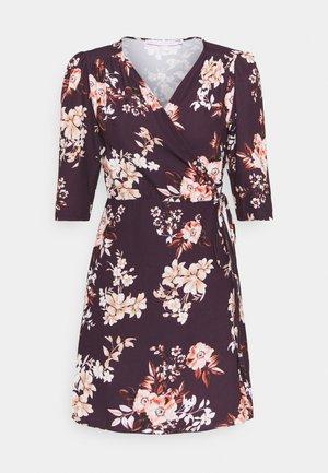 WRAP MINI DRESS WITH TIE WAIST - Day dress - burgundy