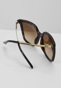 Tory Burch - Sunglasses - mottled brown - 4