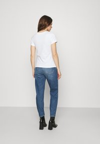 Calvin Klein Jeans - MICRO BRANDING OFF PLACED TEE - T-shirts - bright white - 2