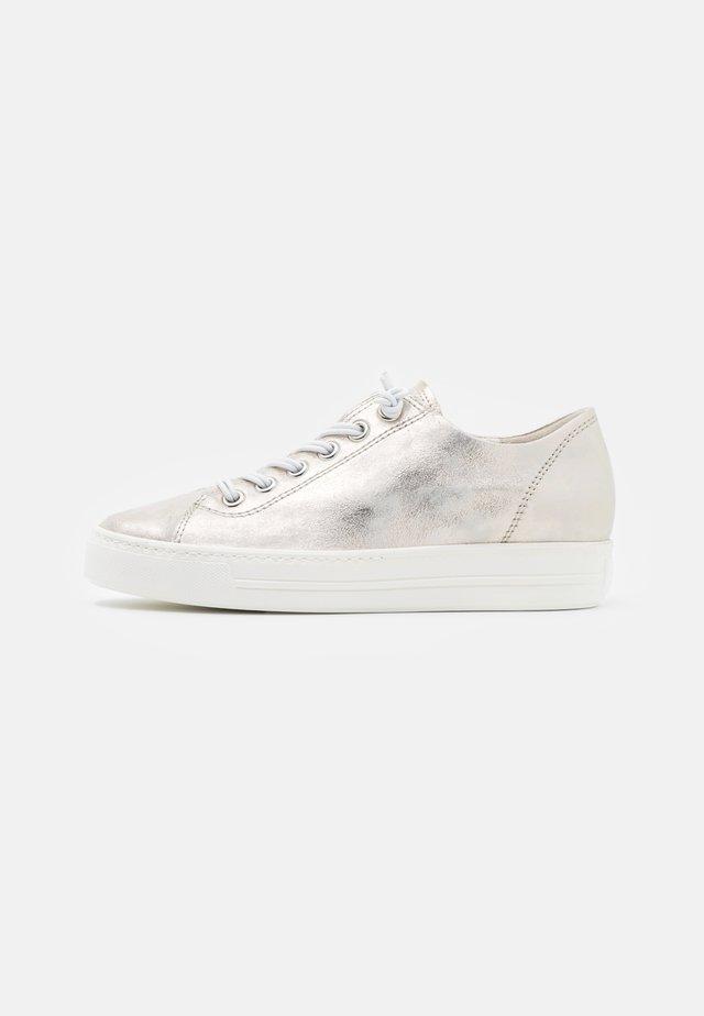 Sneakers laag - metallic antic mineral