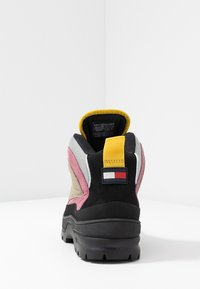 Tommy Jeans - TREKKING FROM THE ARCHIVES - Bottines à lacets - grey - 5