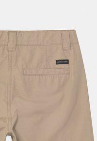 Lindex - LOOSE SKATE FIT WIDER LEG - Shorts - beige - 2